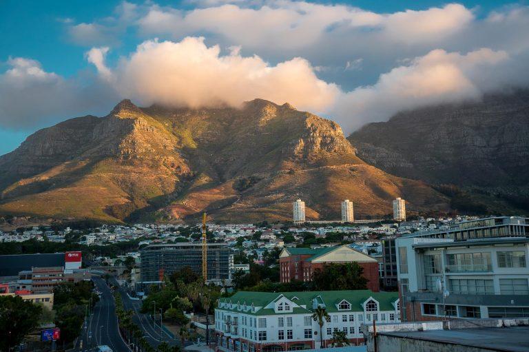 Fog on peak, Cape Town